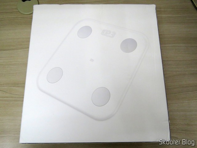 Xiaomi Mi Smart Scale 2, on its packaging,