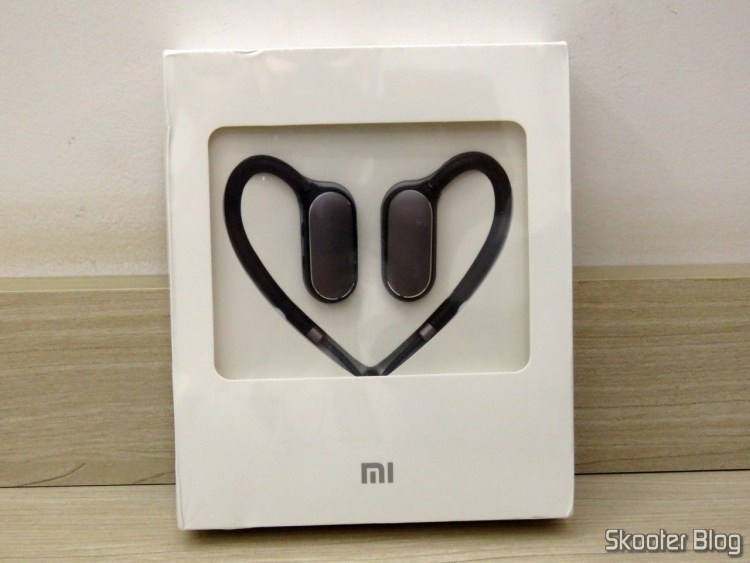 Xiaomi Bluetooth Sport Earbuds, on its packaging.