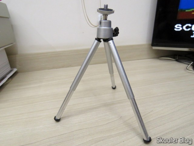 Mini Tripod 7 Silver Inches.