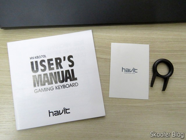 Manual e extrator de teclas do Teclado Mecânico Havit HV-KB370L RGB.