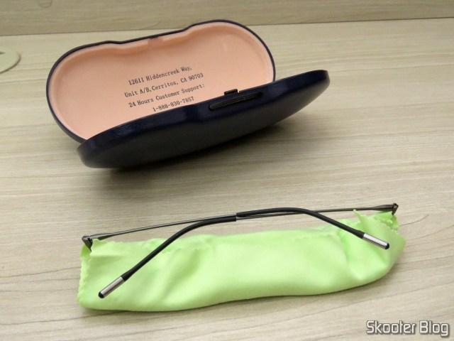 Prescription glasses with lens 1.67 Super Thin (G4u Y3229 Rectangle 124477-c Eyeglasses), e o estojo da Goggles4U.