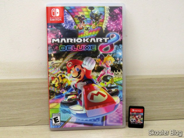 Cartridge from Mario Kart 8 Deluxe - Nintendo Switch, and its packaging.