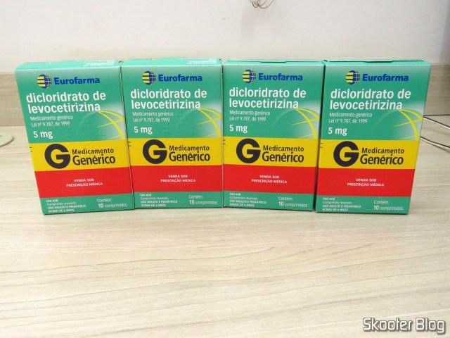 4 caixas deDicloridrato de Levocetirizina 5mg com 10 comprimidos.
