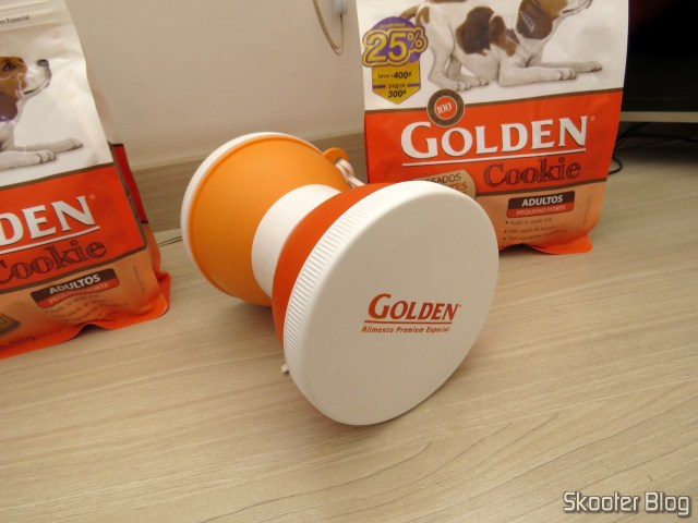 Lunch box for dogs of the Golden