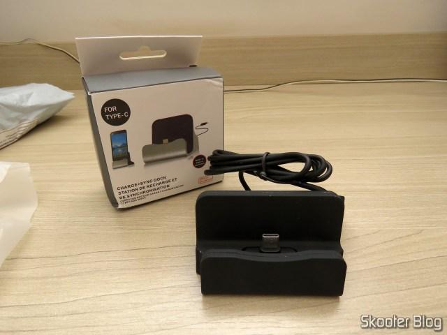O terceiro Dock Station para Celular com Plug USB Tipo C.
