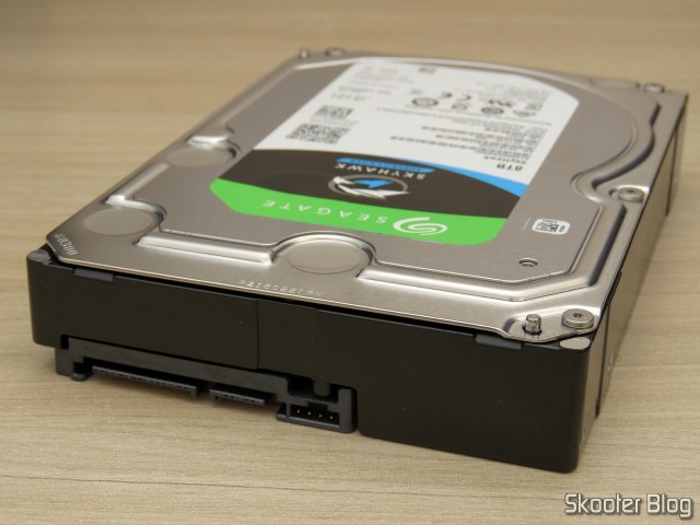 HDD Seagate ST8000VX0022 8TB 7200rpm 256MB cache.