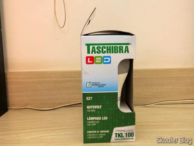LED Bulb TKL Taschibra 100 15In 1507 Lumens Bivolt 6500 k, on its packaging.