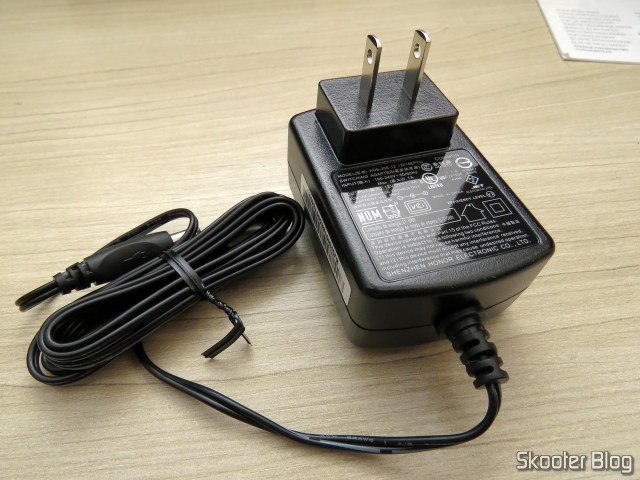 Fonte de Alimentação do Seagate Expansion 8TB Desktop External Hard Drive USB 3.0 (STEB8000100).