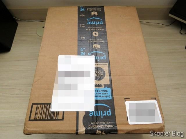 Caixa da Amazon com os dois WD Gold 8TB Enterprise Class Hard Disk Drive - 7200 RPM Class SATA 6 Gb/s 256MB Cache 3.5 Inch - WD8003FRYZ.