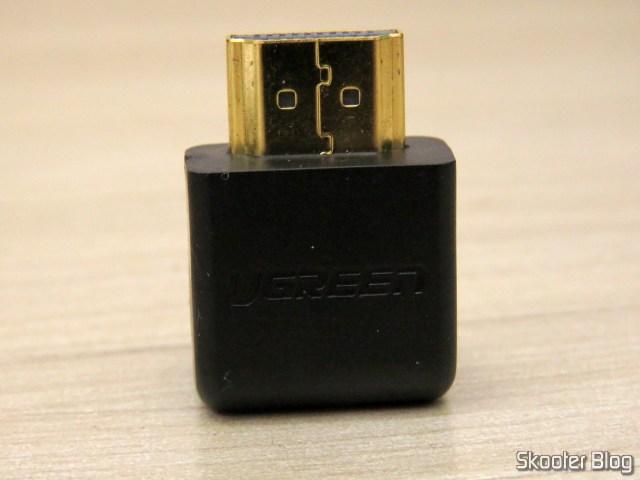Adaptador HDMI angular Ugreen.