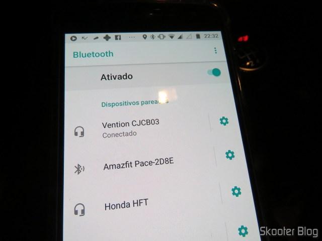 Moto Z Play conectado ao Vention Car Bluetooth Player Multifunção, em funcionamento.Vention Car Bluetooth Player Multifunção.