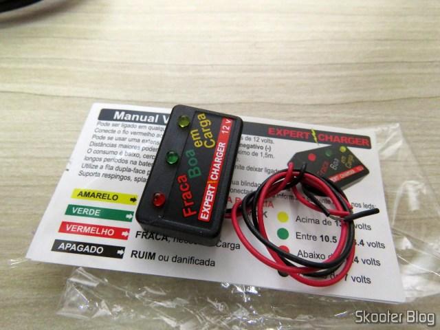 Voltímetro que veio como brinde com o Carregador de Baterias 12V Expert Charger PR10.