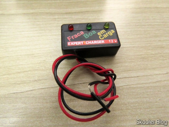 Voltmeter that came as a gift to the Battery Charger 12V Charger PR10 Expert.