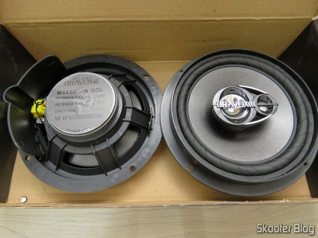 Speakers Pair Triaxial Bravox Original Line 6 Pol B3X60 VWGol, on its packaging.