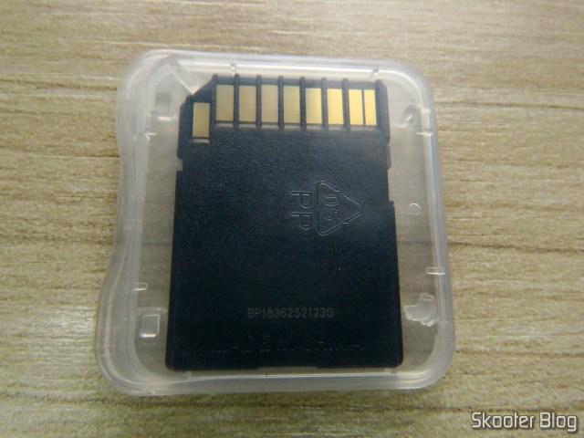 Cartão de Memória SDXC Sandisk Extreme PRO 128GB SpeedTM SDXCTM UHS-1, em seu estojo.