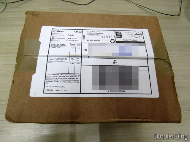 Package with Optical Mouse for Super Nintendo Hyperkin Retro Style Mouse Click.