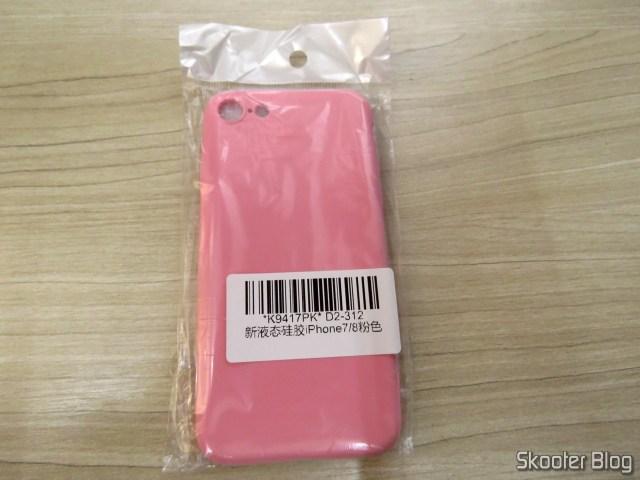 Capa de Silicone para iPhone 7 My Choice, em sua embalagem.