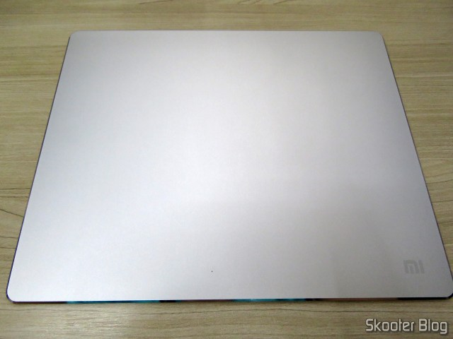 Mouse Pad Metálico de Liga de Alumínio Xiaomi 300x240x3mm.