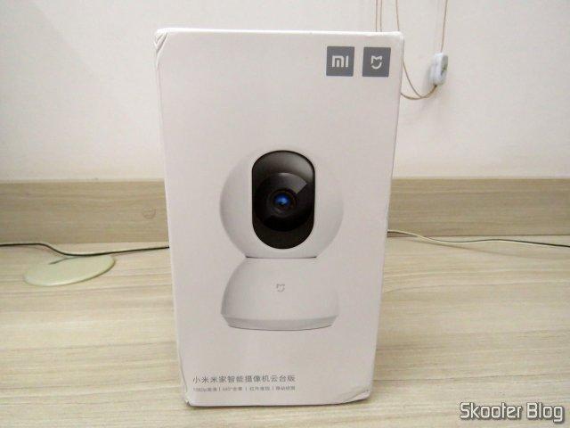 Xiaomi Mi Home Security Camera 360º, em sua embalagem.