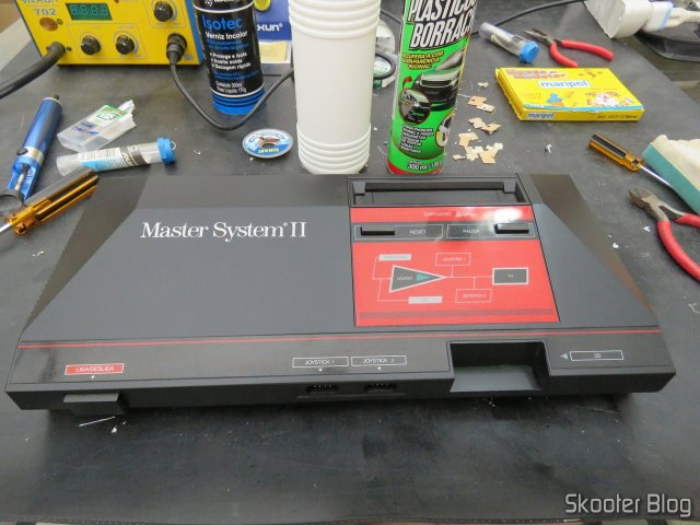 Master System II, already closed and application of plastics revitalizador.