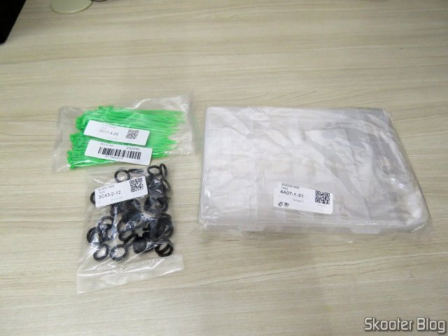 Organizing box Multipurpose, 50 Sealing rings for Quick Coupler, and 100 Clamps Nylon Green.