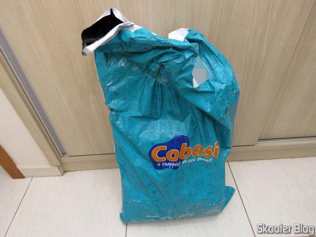 Embalagem da Cobasi com o pacote de Ração Royal Canin Cães Satiety 10,1kg.