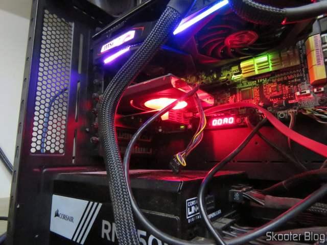 Placa PCI Express 3.0 x4 ZyDAS com 6 portas SATA 6Gbps e Controladora Asmedia ASM1166, em funcionamento.