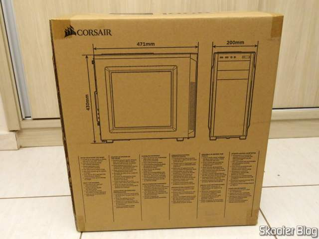 Gabinete Corsair Mid-Tower Carbide Series 100R CC-9011075-WW, on its packaging.