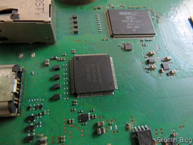 O chip HDMI que foi substituído em 2015.