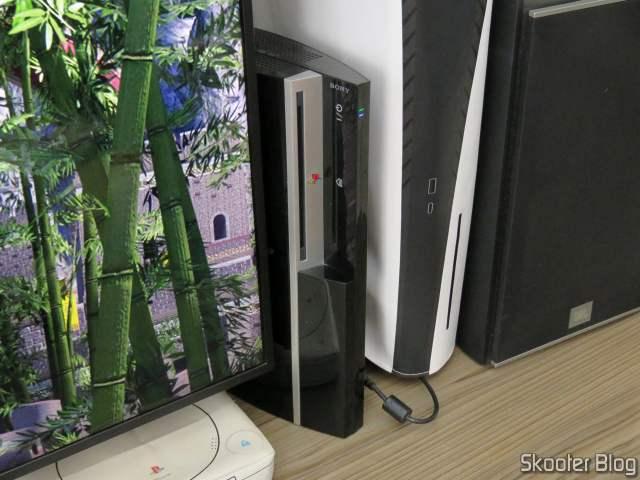 PlayStation 3 em funcionamento após a troca da pasta térmica.