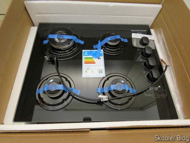 Cooktop 4 bocas Brastemp com duplachama e timer touch - BDT62AE - BIVOLT, em sua embalagem.