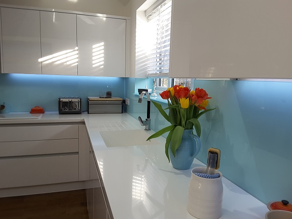 Blue glass splashbacks in folkestone