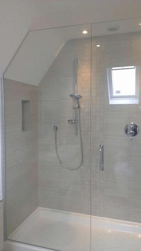 specialist glass shower screeen