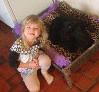 Molli njuter familjelivet i Danmark