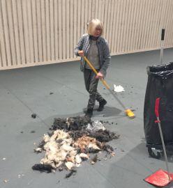 Detta var bara en bråkdel av all päls som sopades upp...