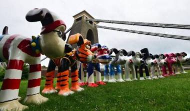 "Gromit became the canvas for world renowned artists during the ""Gromit Unleashed"" fund raiser"
