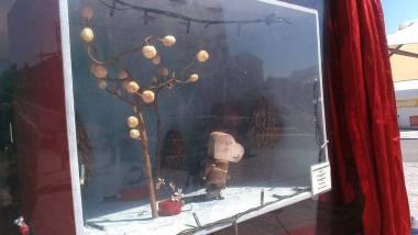 Puppet & set from 'Anatole's Little Saucepan', displayed in La Caravanim Bretonne