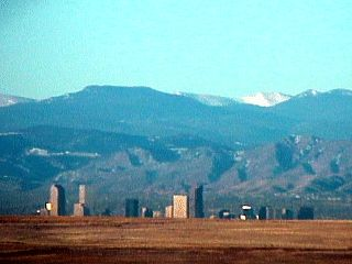 Denver\'s veiw of snowcaps