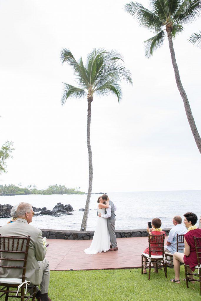 Kealakekua Bay Wedding kiss