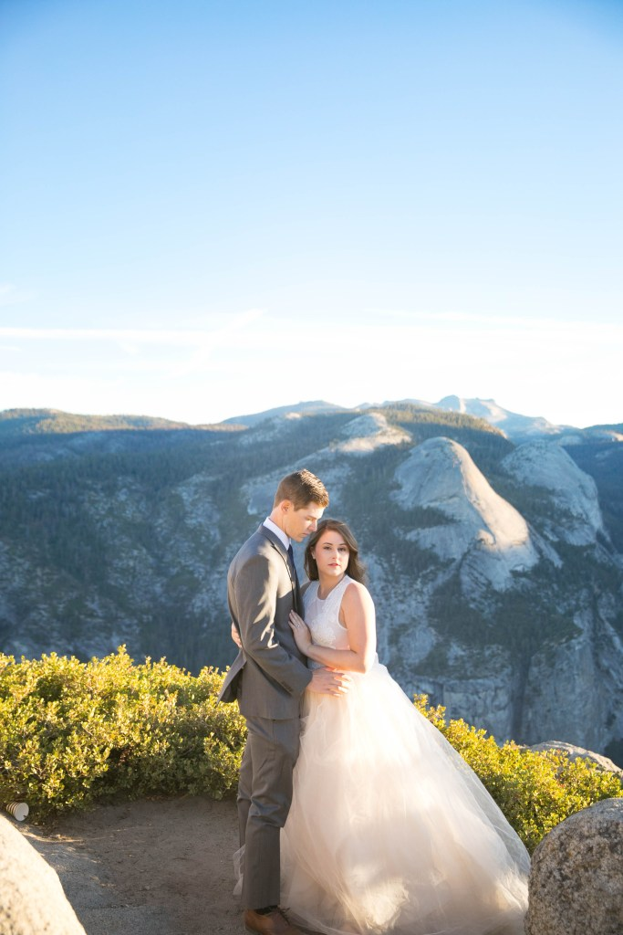 bride and groom elope in yosemite