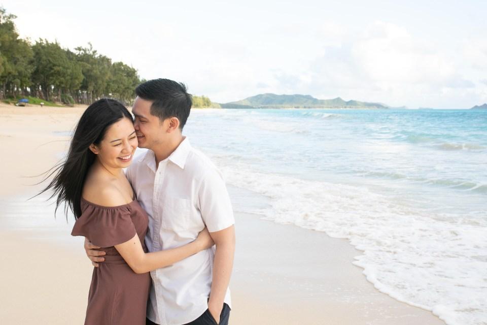 waimanalo beach engagement