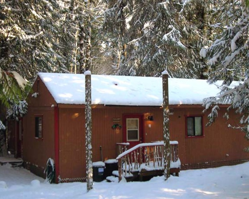 stevens pass cabin lodging