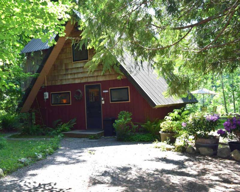 Whispering Waters rental cabin Baring Washington