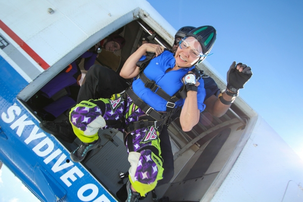 skydiving video of tandem exit