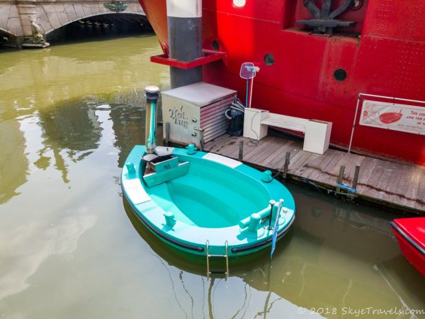 Hot Tub Tugboat in Rotterdam