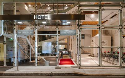 Magna Pars Suites Hotel con Limousine Milano
