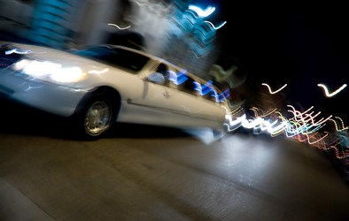 Milano di notte le discoteche in Limousine – Linea luxury limousine