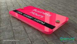 door_sign_6-25x11_painted_versaboard_business_hours00003