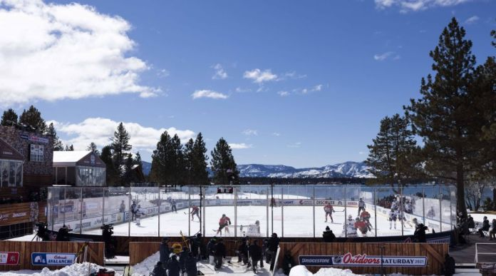 TAHOE, NV - FEBRUARY 20: General view during the first period of the Bridgestone NHL, Eishockey Herren, USA Outdoor game between the Vegas Golden Knights and the Colorado Avalanche on Saturday, February, 20, 2021 at Edgewood Tahoe Golf Course in Lake Tahoe, Nev. Photo by Ric Tapia/Icon Sportswire NHL: FEB 20 Bridgestone NHL Outdoors Saturday - Golden Knights v Avalanche Icon269210220025