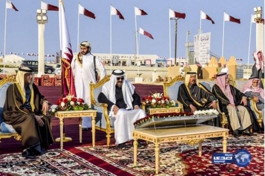 أمير قطر يشارك قبيلة سبيع احتفالاتها باليوم الوطني